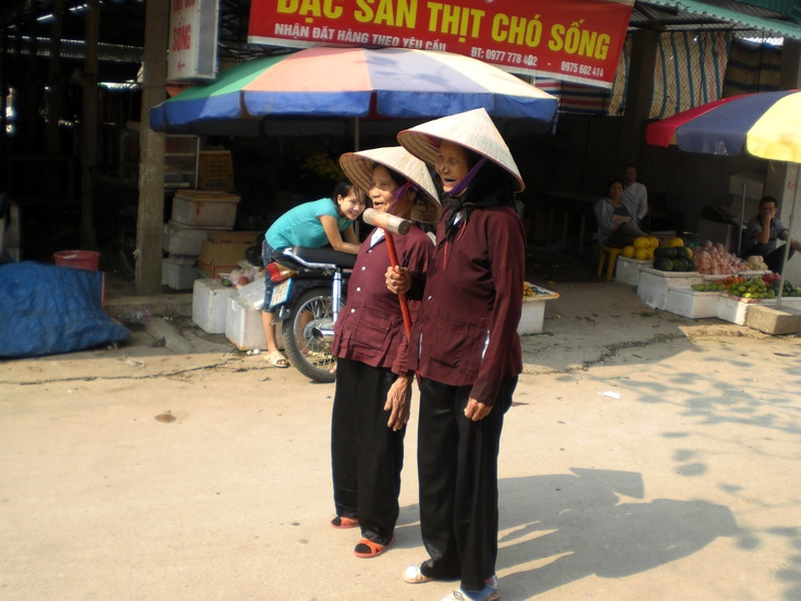 Two 'grannies' - Hanoi district: Hanoi District