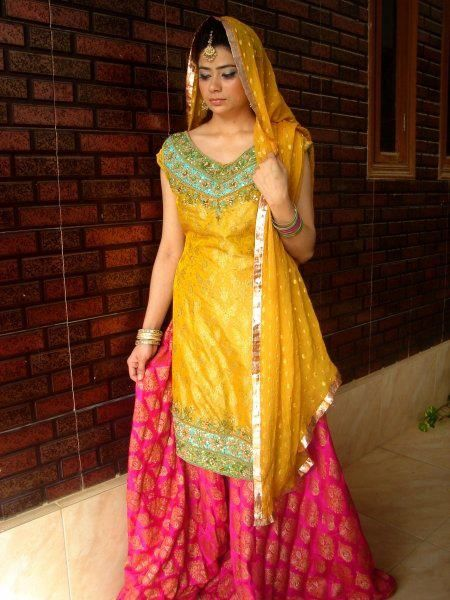 Latest Mehndi Dresses For Bridals 2015 (7)