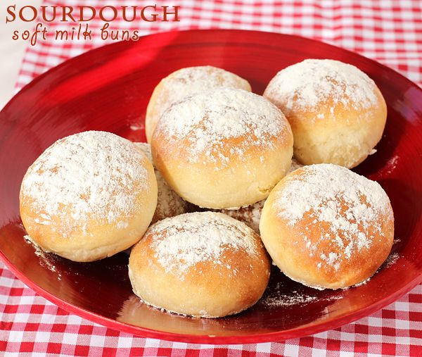 Sourdough soft milk buns | These sandwich buns have such a light, soft crumb and rich flavour. As much as I adore a crusty bread with a chewy crumb, these are an ideal vehicle for your favourite sandwich fillings or burgers. Repinned from: www.pinterest.com/Oscar918