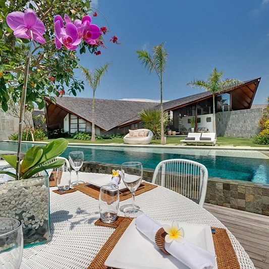 Four bedroom villas at The Layar. #thelayar #luxuryvilla #bali #seminyak #designer #balinese #art #architecture #travelgram #instatravel #beautifulhotels #designerhotels #villa #luxuryvilla