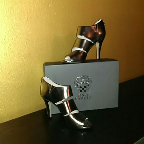 Vince Camuto Heels Brand New in box ,size 7 ,metallic Vince Camuto's!! Vince Camuto Shoes Heels