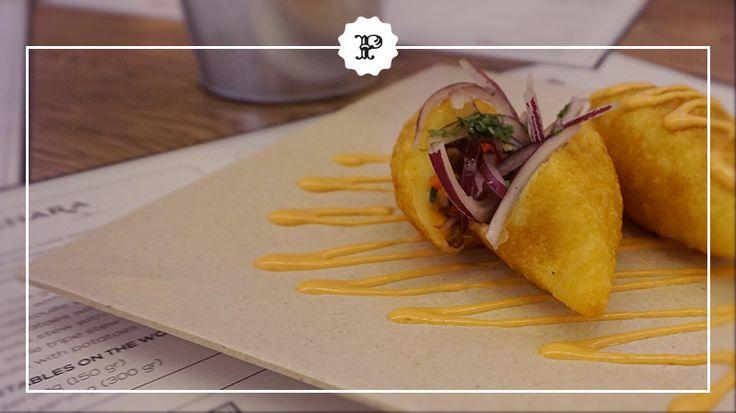 Papas rellenitas, uno de los platos estrella de Kinua Perú Food, en Platea Madrid. #PlateaMadrid