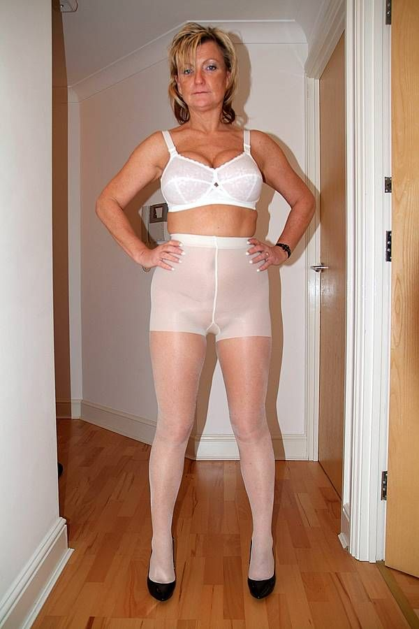 Mature in White Pantyhose: Delight Pantyhose, White Pantyhose, Wear Pantyhose, Pantyhose Mature, Pantyhose Tights
