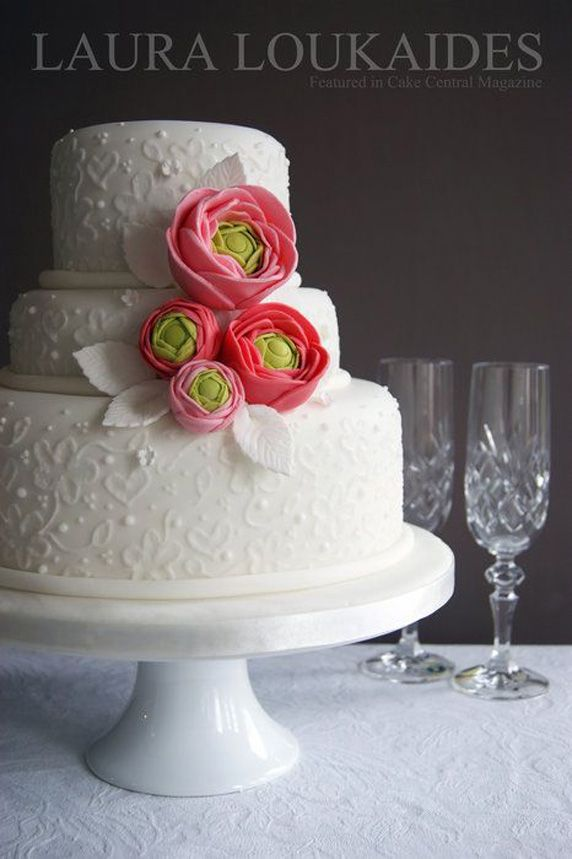 Beautiful Cake Pictures: Pretty Rose & Green Flowers on Elegant White Cake: