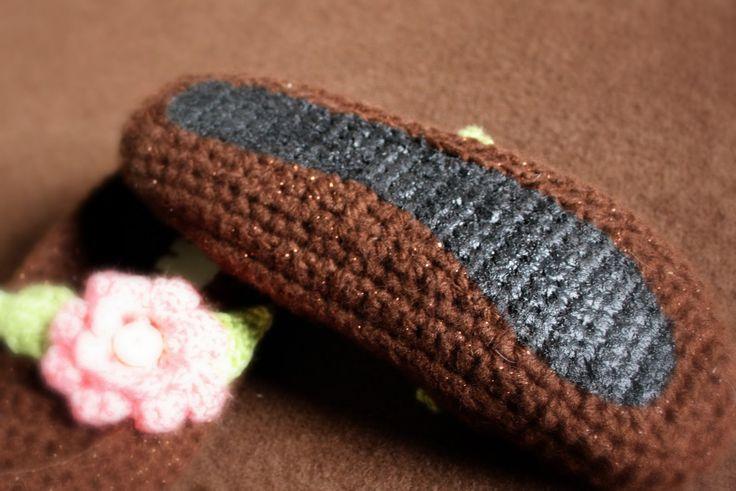 How to make crochet footwear non-slip - Tutorial
