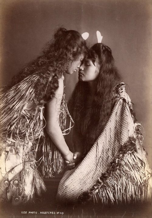 silezukuk: Arthur James Iles - Maori women, New Zealand, 1890 - 1920 [***]