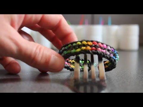 """▶ Faire un bracelet """" plat """" en élastique type """" rainbow loom"""" sur une fourchette pliée - YouTube"""