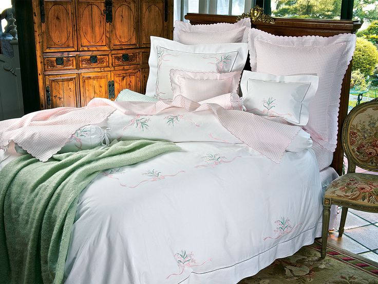 Cancellino - Fine Bed Linens - Like a gently caressing breeze from a window opened to the Italian countryside, 100% Egyptian cotton damask, is woven with airy Spring Green, Sky Blue, Petal Pink or Cream windowpane checks, on a refreshing field of White
