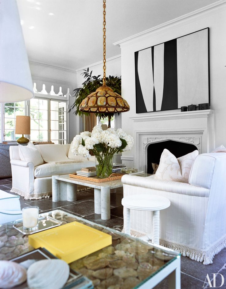 fall in love with the east hampton home of designers delphine and reed krakoff - Living Room East Hampton