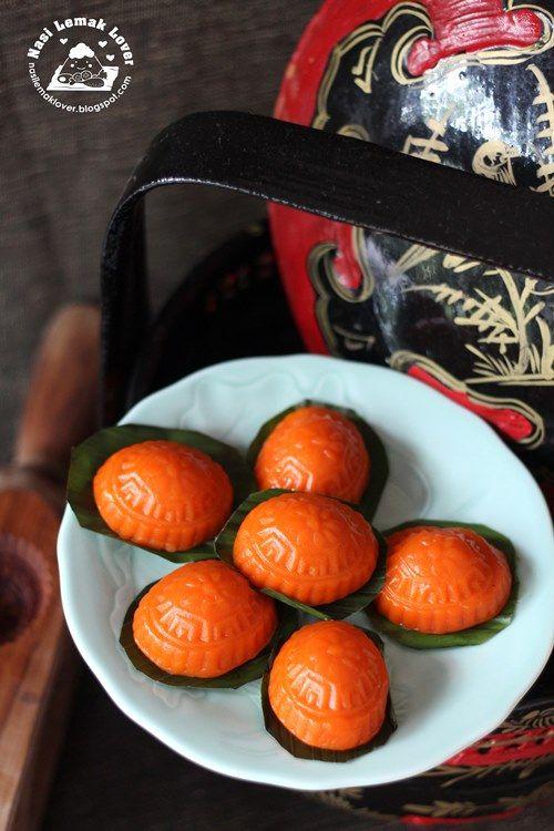 Nasi Lemak Lover: Ang Ku Kueh (Red Tortoise Cake) 紅龟粿 • recipe by Sonia @ her blog posted mon 20 may 2013 • kue ku • Chinese cake • sweet meat eaten in Indonesia • makan manis • riawati