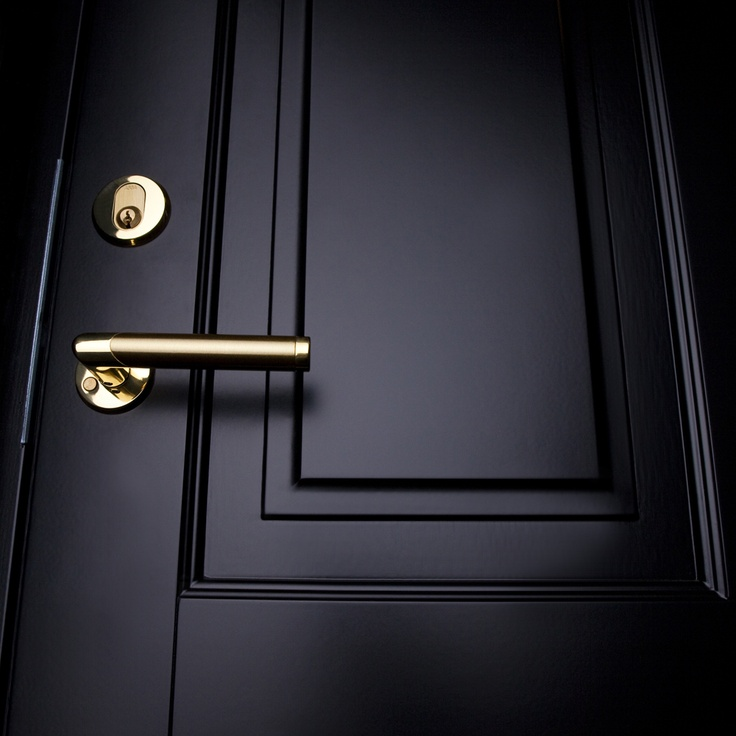 Ekstrands ytterdörr Ascot 300 i svart med mässings handtag #Ekstrands #Door #Dorrar #Doors #Black #Detail #Design #Inspiration #Handle #Brass