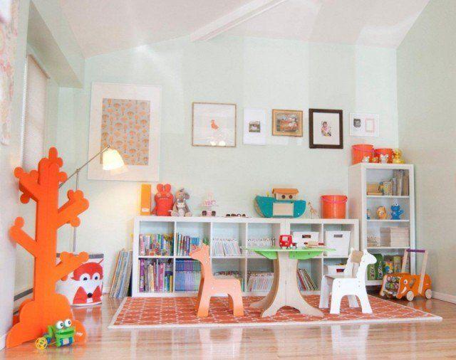 étagères-Ikea-Kallax-panneaux-fibres-bois-blanc-école-maternelle