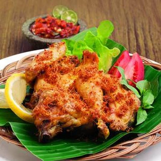 Yellow Fried Chicken Larasa https://www.keyingredient.com/recipes/3408255032/yellow-fried-chicken-larasa/  #resepayamgoreng #resepmasakanayam