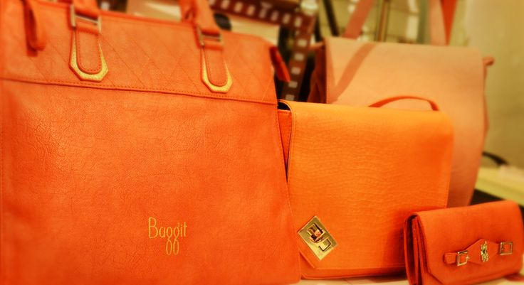 This winter, bring warmth and make a bold impact with #orange handbags and wallets. This single color is bright enough to enhance your outdoor looks and elevate moods. Pick up your #orange bag at any Exclusive Baggit Outlets and at www.baggit.com.