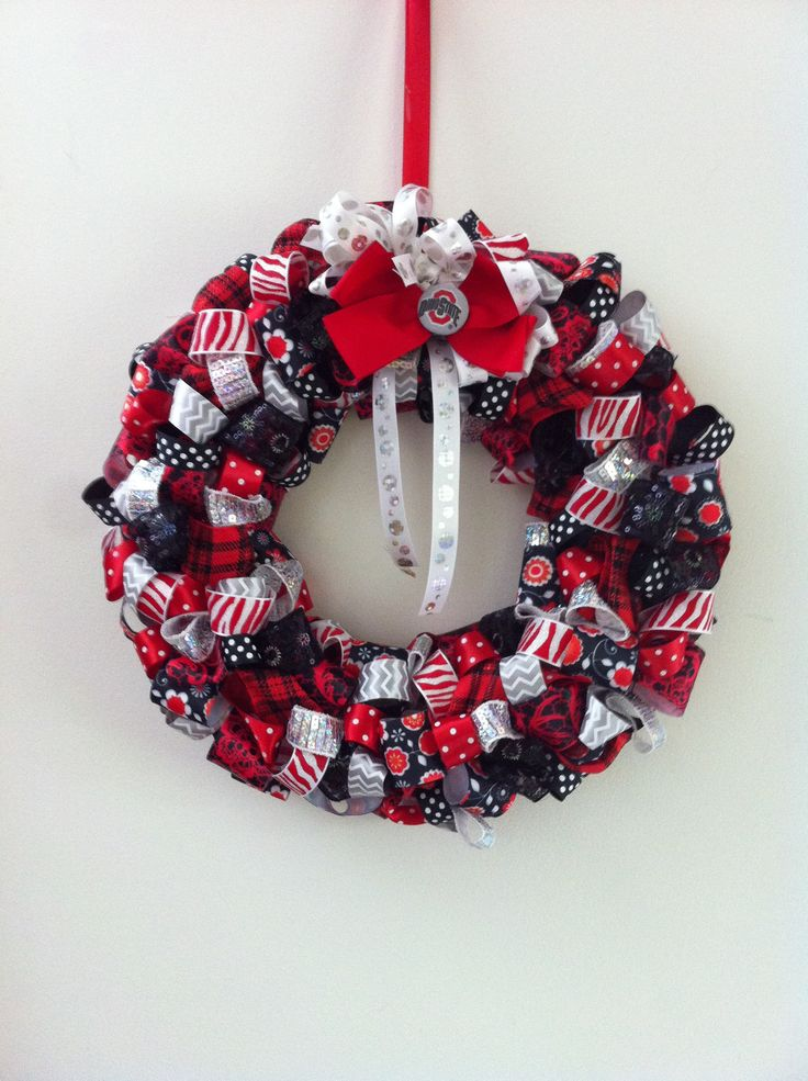 47 Best Images About Wreath On Pinterest Ribbon Wreath