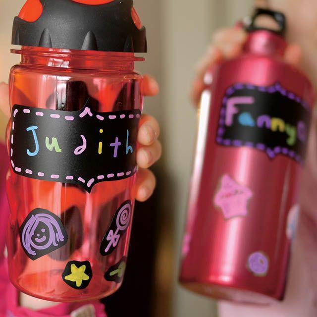 Des bouteilles d'eau personnalisées faites par mes cocottes pour @Enfantsquebec