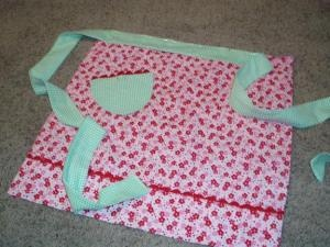 Pillowcase Apron Tutorial & 49 best pillowcase projects images on Pinterest | Pillowcases ... pillowsntoast.com