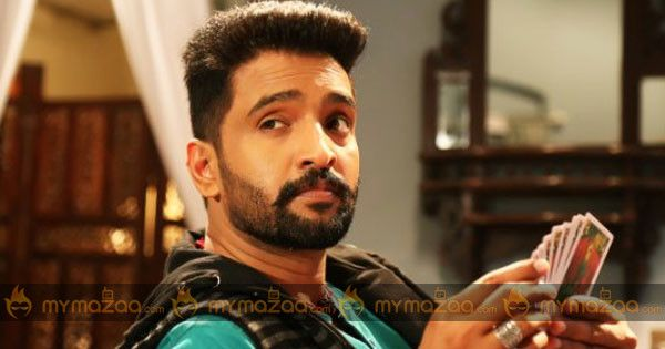 #Comedy In #Dhilluku Dhuddu'On The Lines Of #MrBean #Santhanam