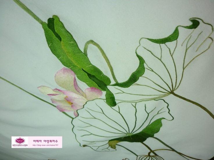 대구 야생화자수 연꽃 연잎 수놓기 여해자 야생화자수 봄꽃들이 아직 남아 있어 며칠전 깜짝 더위에도 아직...