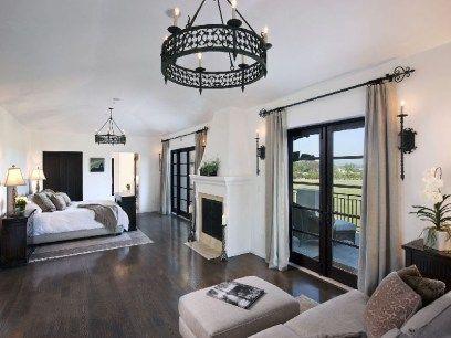 Santa Barbara style bedroom