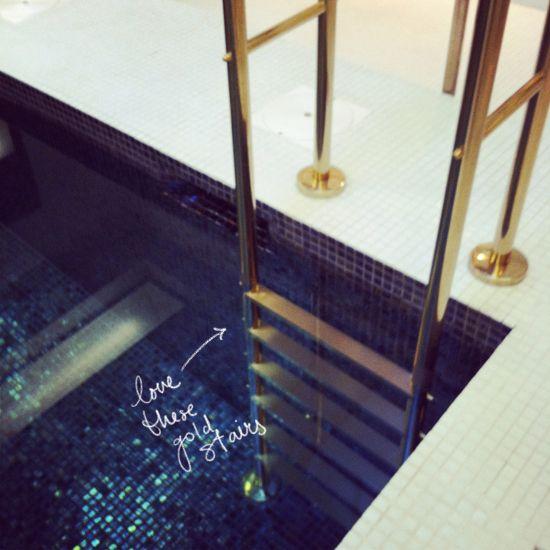 Elegant swimming pool moon glow dark blue mosaic tiles for Design hotel glow