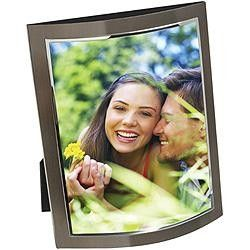 Display your favourite memories with a Cupecoy Curve Frame.