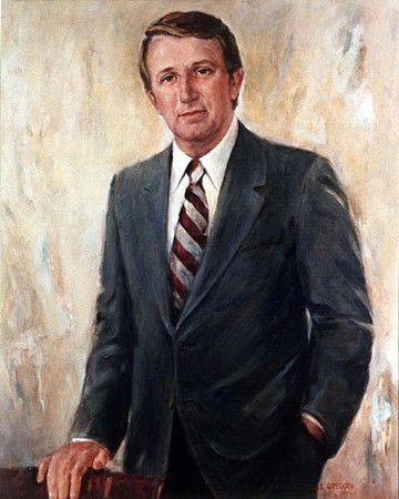 A giant of Arkansas politics, former U.S. Sen. Dale Bumpers, died last night at his Little Rock home. He was 90 and had been in failing health.