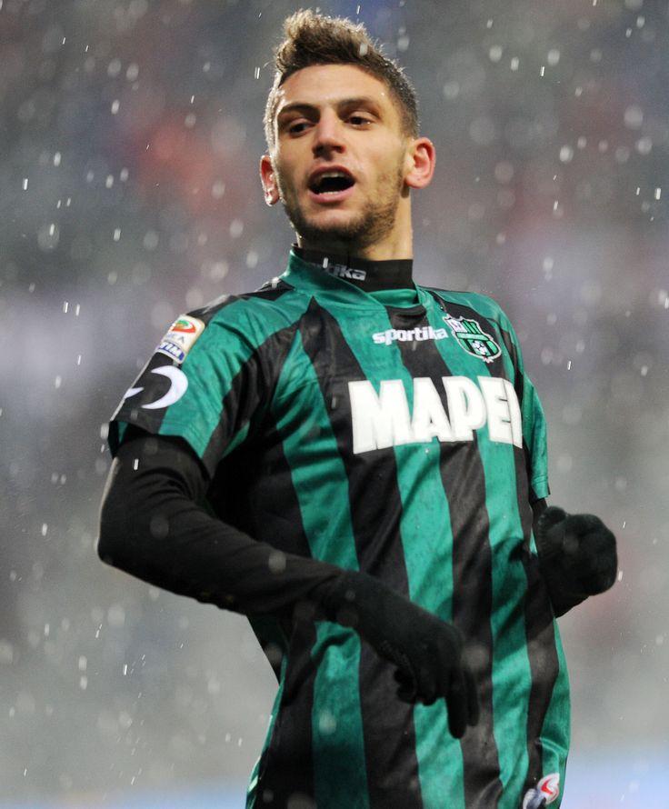 Domenico Berardi - Itaria:イタリア期待の若手FW。左利き。サッスオーロでカマしてる。なんか前線ばかり上げてるけど、中盤の底な選手が好きだ実は。