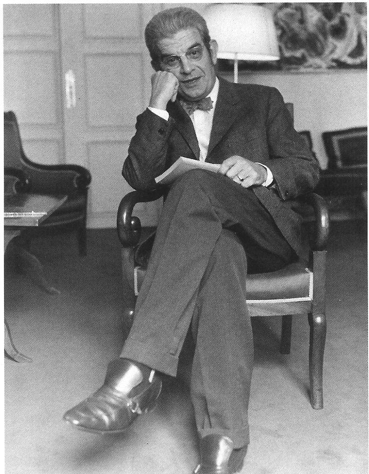Jacques Lacan (París, 13 de abril de 1901- , 9 de septiembre de 1981) Médico psiquiatra y psicoanalista conocido por los aportes teóricos que hiciera al psicoanálisis basándose en la experiencia analítica y en la lectura de Freud, incorporando a su vez elementos del estructuralismo, la lingüística estructural, la matemática y la filosofía. Sus aportes los define como un «retorno a Freud» y a sus teorías, por un lado, y como su radicalización, nueva interpretación o desarrollo ulterior, por…