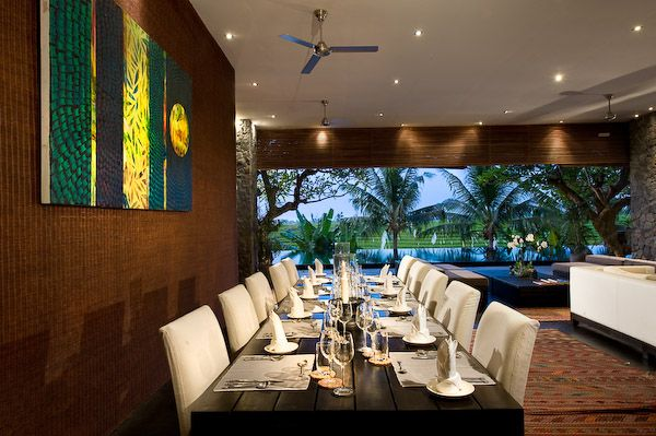 Villa Mana - Main Dining Area