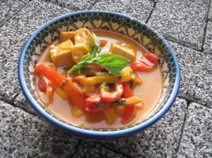 Red curry sauce, Tofu curry and Tofu on Pinterest