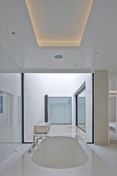 Koupelna přináležející k hlavní ložnici