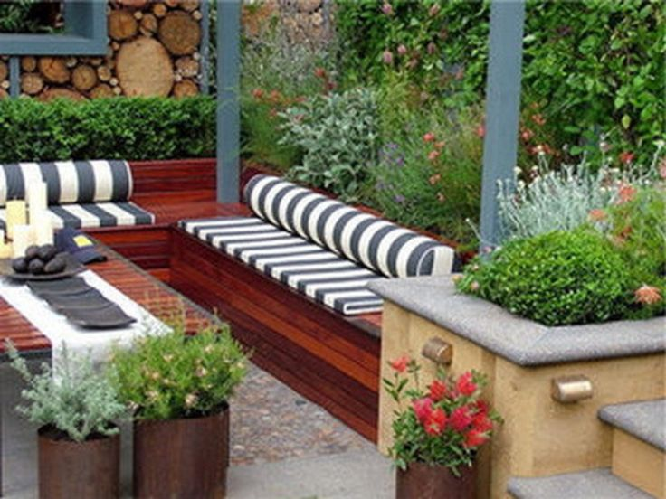 Furniture, Trendy Cool Flower Bed And Pots Design Also Ultra Modern Garden  Bench Feat Log Privacy Fence Idea Design Ideas: Imaginative Bench Style For  ...