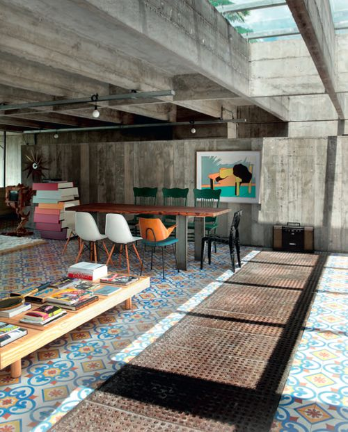 São Paulo Residence by Paulo Mendes da Rocha. Designed in 1969 and was restored recently by the architect himself.