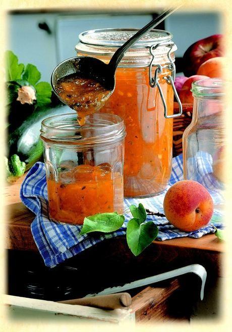 Džem z jablek, meruněk a cukety