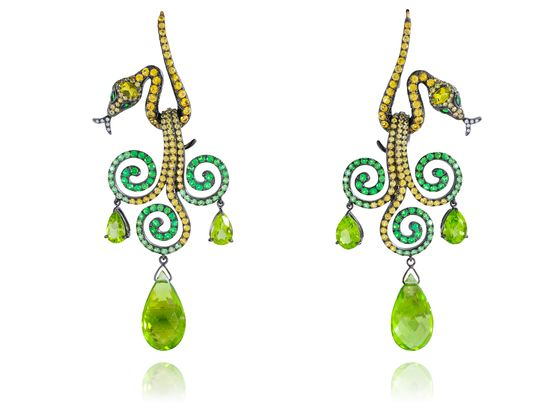 #BO #earrings Queen of Sheba collection by #lydiacourteille  #or #gold #tsavorite #tourmaline #diamonds #diamants #highjewelry #jewelry #jewellery #bijoux #luxe