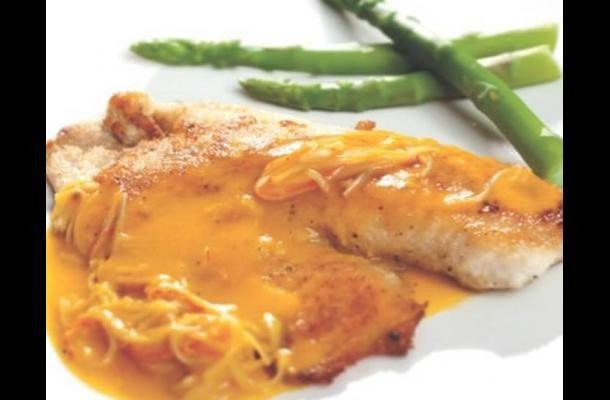 Filete de tilapia en salsa de chontaduro y palmitos