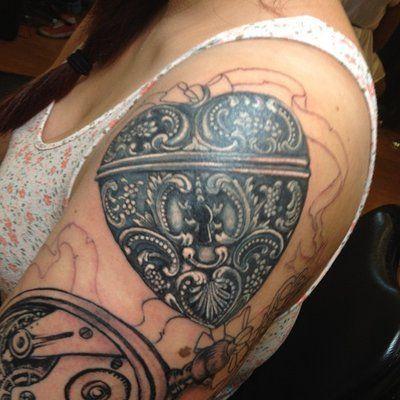 46 best thin filigree tattoo images on pinterest filigree tattoo tattoo ideas and arm tattoos. Black Bedroom Furniture Sets. Home Design Ideas