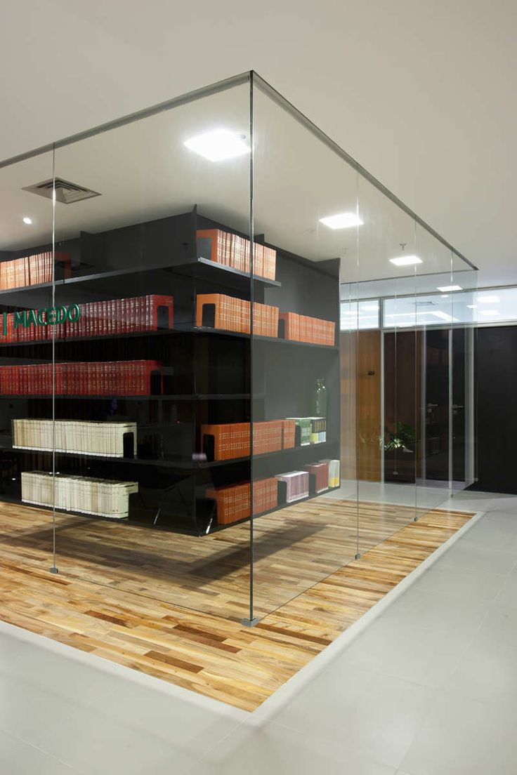 Image 11 of 25 from gallery of BPGM Law Office / FGMF Arquitetos. Photograph by Fran Parente