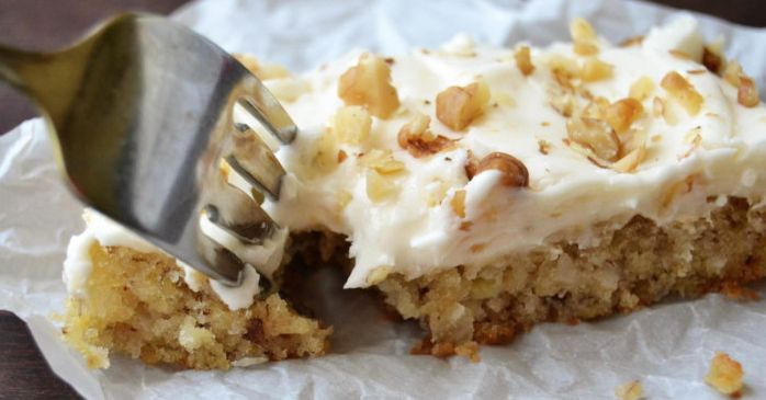 Hummingbird Cake Bars, A Southern Tropical Favorite To Make You Really Happy!