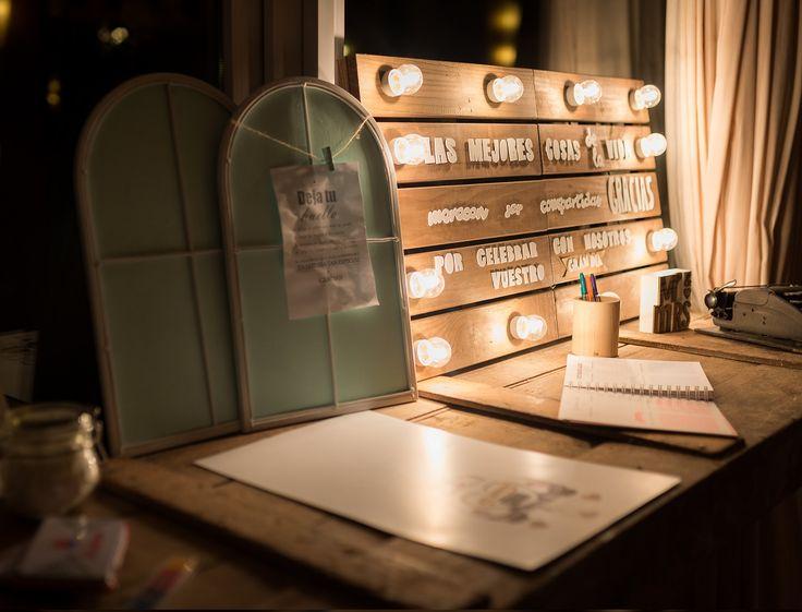 Rincón de firmas// Corner signature. Foto: Vicente Forés. Organización: Señor y señora de #bodassrysrade www.señoryseñorade.com