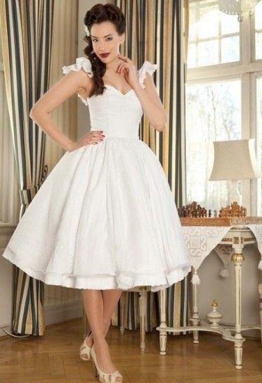 50s pin up style wedding dress leggi l 39 articolo abiti for Wedding dresses pin up style