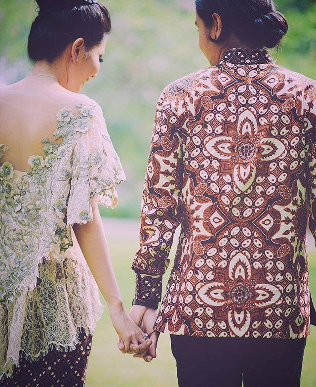 Rundu & Wendy #engagement #batik #portrait #reynardkarman