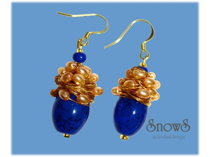 Extravagant blue Murano glass and pearl earrings for the special moments...