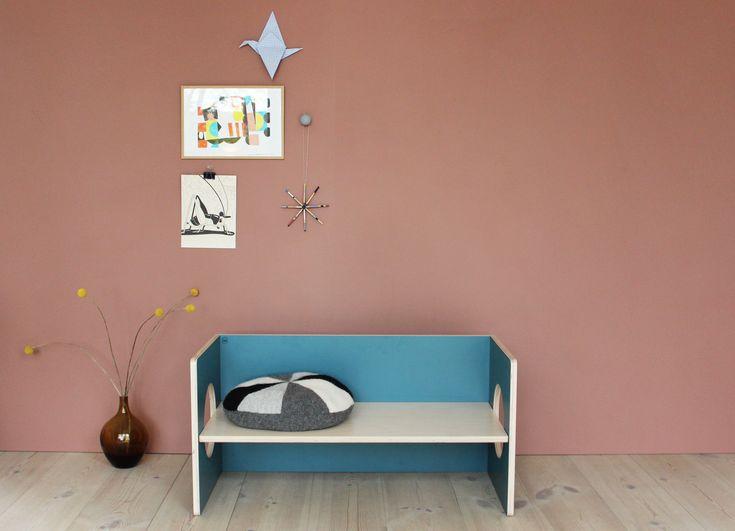 Small design - ett danskt företag som designar färgglada barnmöbler i trä. Miljövänligt, färgglatt och så rätt i tiden.