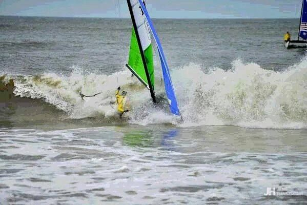 HObie Cat 16, négociations de la vague scélérate