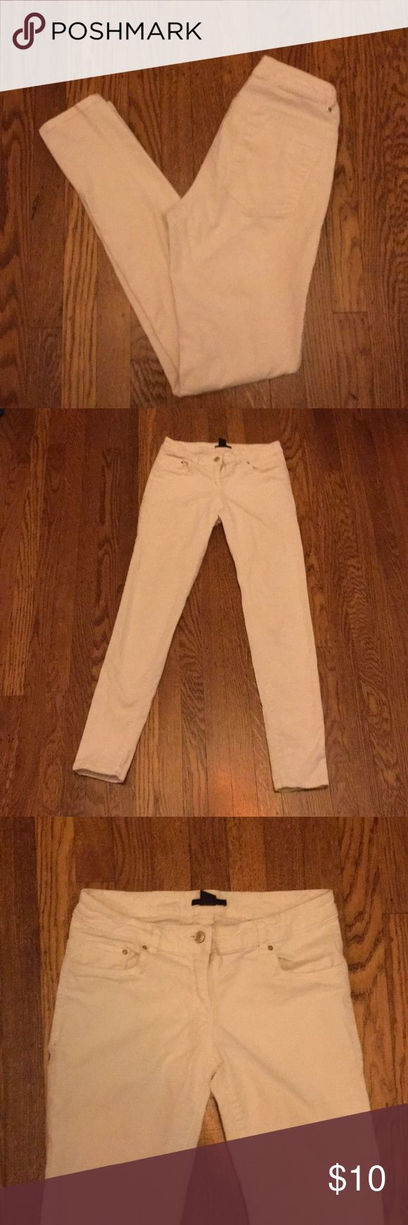 "H&M- white skinny jeans. Spot free size 8 jeans. H&M- white skinny jeans. Spot free size 8 jeans (weird H&M sizing) but really fits like a size 4-6. The inseam is 29"". H&M Jeans Skinny"