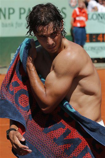 French Open 2012 - Mr Nadal flexing his biceps ~ very impressive