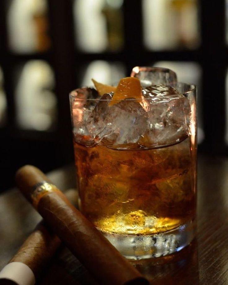 Tag a friend that needs that right now  Follow @Butane.World for more. Photo Credits: @just4themen  #zigarre #puro #cigaraficionado #cuba #cuban #widechurchill #nightout #cigars #cigarro #cigarboss #luxurycigars #cigarsocialclub #cigarworld #cigarphotography #cigarphoto #cigarsofinstagram #cigarsmoking #cigarsnlife #cigarsmoke #cigarsmoker #stogie #stogies