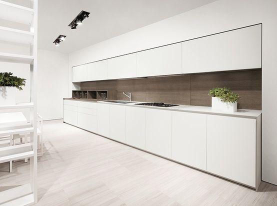 Kitchen inspiration: minimalistic white.